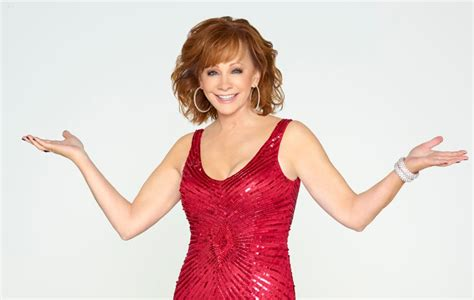 reba mcentire christmas reba mcentire to host abc s cma country christmas