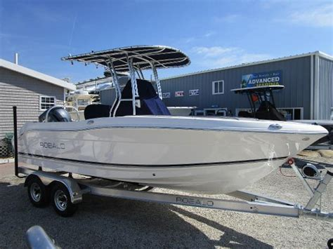 Robalo Boats Maryland by 2018 Robalo R200 Center Console Edgewater Maryland