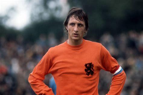 t shirt barcelona 03 postscript johan cruyff total footballer the new yorker