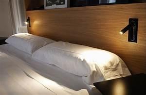 Lampe Liseuse Pour Lit : probl matique lampe de chevet optez pour les appliques murales dans votre chambre ~ Teatrodelosmanantiales.com Idées de Décoration