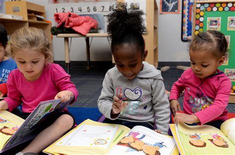 diverse books matter anti defamation league 584 | preschoolers mayors book club 160215 f ar942 056