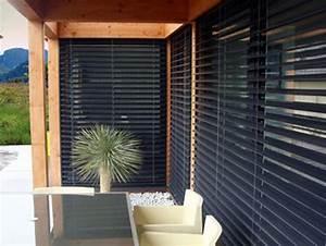 decoration et store brise soleil pour un design epure With porte de garage enroulable jumelé avec installation porte blindée appartement