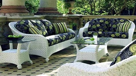 White Wicker Patio Furniture Sets