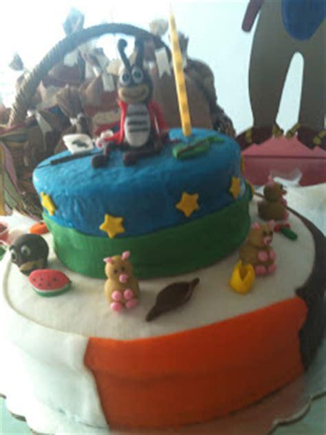 bolas reposteria cup cake pastel cubierto de fondan