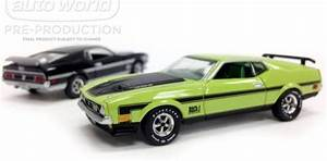 Auto World 1971 Ford Mustang Mach 1