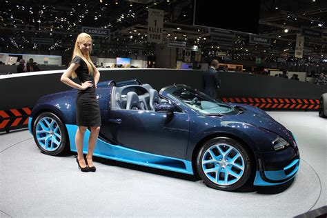The roadster is powered by a massive 7998 cc turbo charged. Bugatti Veyron Grand Sport Vitesse Live Photos: 2012 ...