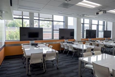 Active Learning Classroom - LA3 106 & 204   California ...