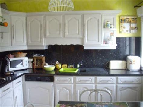 couleur gris perle cuisine cuisine gris perle mur vert la rénovation de