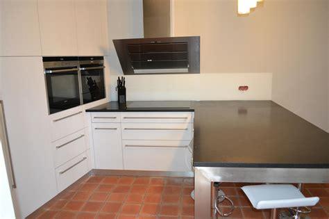 poser un plan de travail cuisine meuble cuisine a poser sur plan de travail comment poser