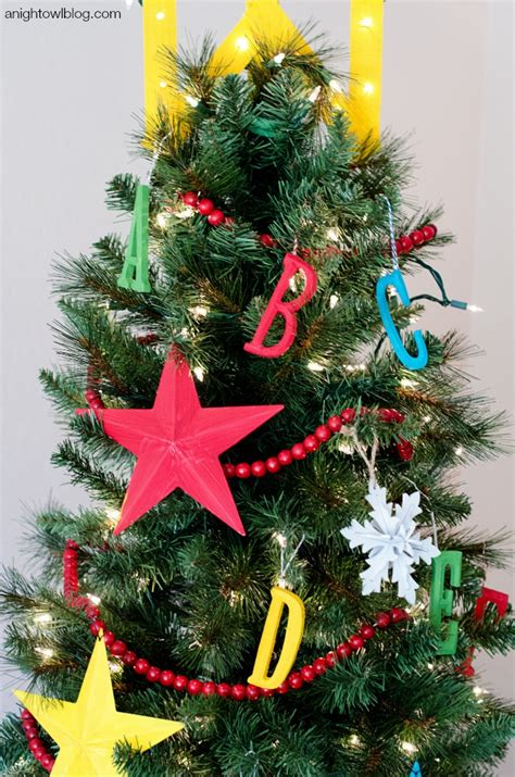 kid friendly christmas tree decorations the 50 best and most inspiring tree decoration ideas for 2017