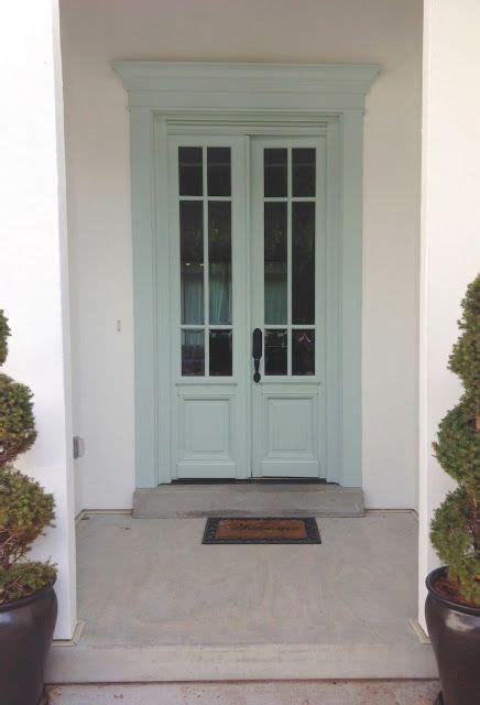 benjamin moore woodlawn blue front door white gold