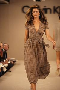 Young Cindy Crawford on the Runway [PHOTOS] – Footwear News