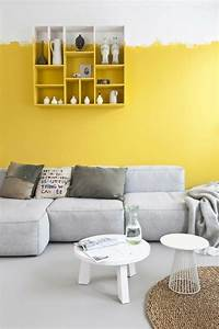 56 idees comment decorer son appartement With tapis jaune avec canapé noir d angle