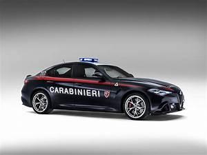 Alfa Romeo Giulia Quadrifoglio Occasion : deux alfa romeo giulia quadrifoglio pour la gendarmerie italienne le blog auto ~ Gottalentnigeria.com Avis de Voitures