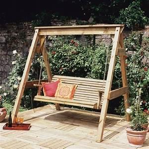 Balancelle De Jardin En Bois : balancelle de jardin 22 exemples avec des ailes ~ Teatrodelosmanantiales.com Idées de Décoration