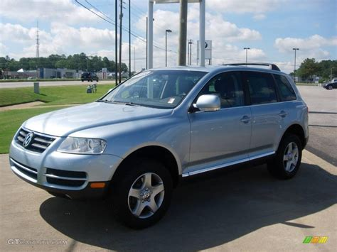 volkswagen touareg blue 2005 blue silver metallic volkswagen touareg v6 17964288