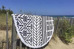Serviette De Plage Ronde Eponge : serviette de plage ronde azt que blanche ~ Teatrodelosmanantiales.com Idées de Décoration