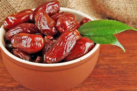 Frutat e thata, ja cilat janë benefitet e hurmave të Arabisë