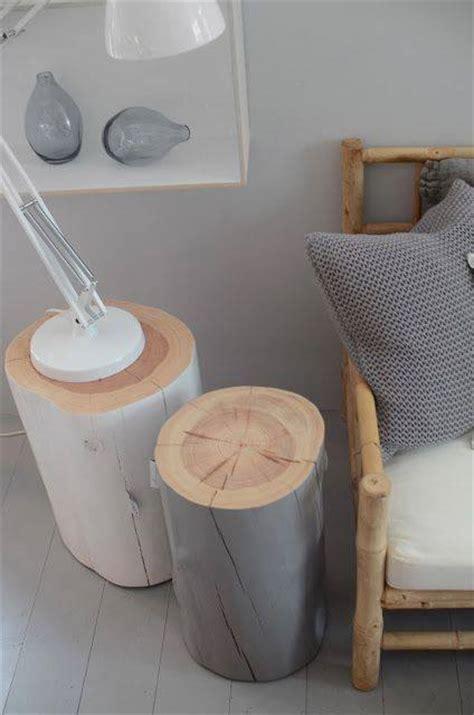 le de chevet deco id 233 e de table de chevet ou tabouret 224 r 233 aliser avec des buches en bois des id 233 es