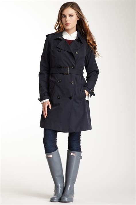 How To Style Trench Coats For Women | WardrobeLooks.com