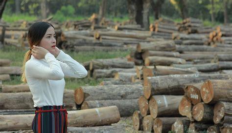 Karena mereka merasa bahwa suara cewek yang sedang bersama btr branz adalah pacarnya sendiri. FOTO: Gaya Modis Kekasih Dodit Mulyanto saat Liburan, Cantik dan Memesona - Surabaya Liputan6.com