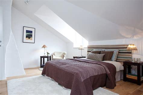 chambre d h es c e d or décoration chambre à coucher mansardée