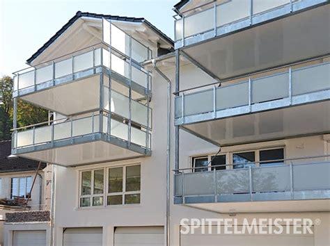 Garage Zu Groß Gebaut by Stahlbalkone Gro 223 Filigran Spittelmeister