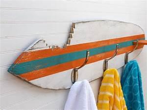Deco Planche De Surf : d co chambre enfant avec planche de surf 50 inspirations planche de surf surf et pat re ~ Teatrodelosmanantiales.com Idées de Décoration