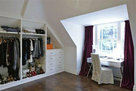une chambre a soi 1001 idée pour un dressing sous pente gain de place