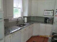 how to white wash kitchen cabinets pin tillagd av hanne thorsdalen styhr p 229 kitchen 8947