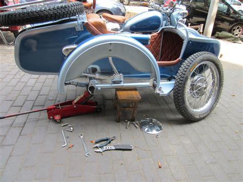 Break-in Or Broken Down In A Cj750 Sidecar