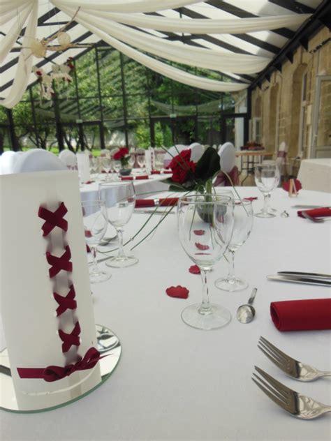idee deco table mariage bordeaux ivoire