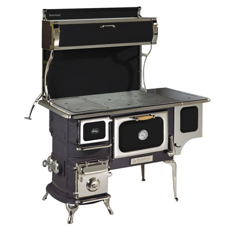 Oval Wood Cookstove with Water Reservoir