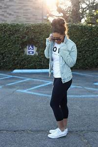 Comfy style: yoga pants + tee + jean jacket | Swagg outfits