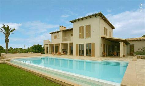 gartengestaltung toskana stil mediterranes traumhaus mit swimmingpool pflegeleichte moderne gartengestaltung