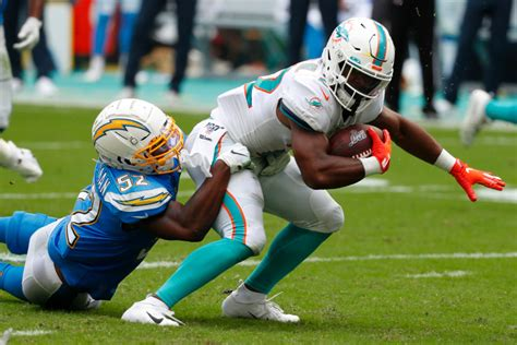 Los angeles chargers news / bolt. Melvin Gordon watches as battered Chargers defeat Miami Dolphins - San Gabriel Valley Tribune