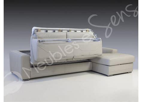 canapé convertible vrai lit photos canapé lit convertible avec vrai matelas