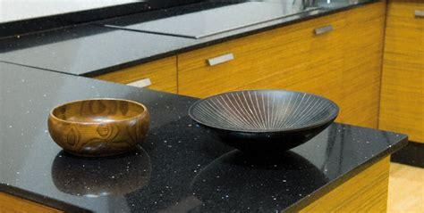 cuisine quartz cuisine plan de travail de cuisine moderne fonc en quartz