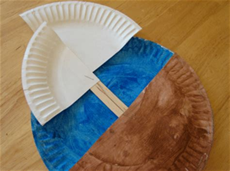 play with me columbus paper plate ship 554   Mayflower