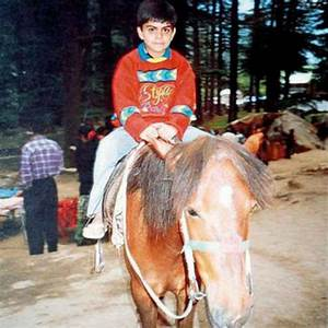 6 Rare Photographs Of Virat Kohli - Indiatimes.com