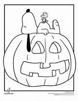 Coloring Snoopy Pumpkin Halloween Woodstock Charlie Brown Fall Printable Sheets Cartoon Adults sketch template