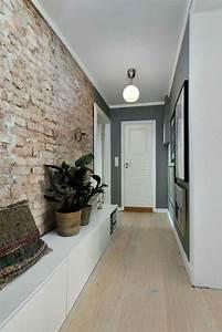 Meuble Couloir étroit : comment decorer un couloir avec mur en briques rouges brutes decoration couloir long et etroit ~ Teatrodelosmanantiales.com Idées de Décoration