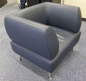 Fauteuil Deux Places : 3 unites fauteuil deux places en cuir lisse bleu petrole reposant sur 4 pieds chromes dimensions 80 ~ Teatrodelosmanantiales.com Idées de Décoration