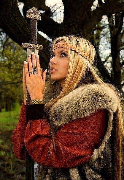 Pin by Anna Marie Monroe on Ren faire   Warrior girl ...