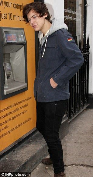 Harry Styles takes more than £100 out of ATM as it's ...