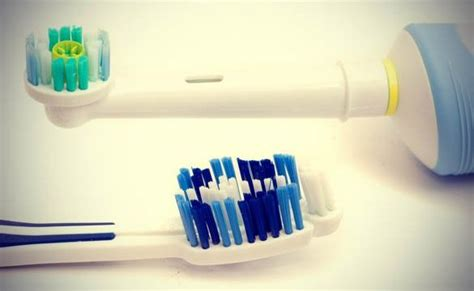 manual toothbrush  electric toothbrush pros  cons