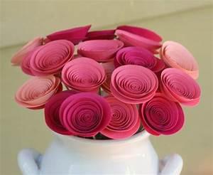 Como fazer flor de papel decorativa