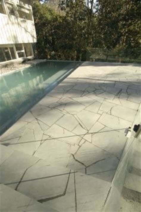 Crazy Paving on Pinterest   Outdoor Flooring, Flagstone