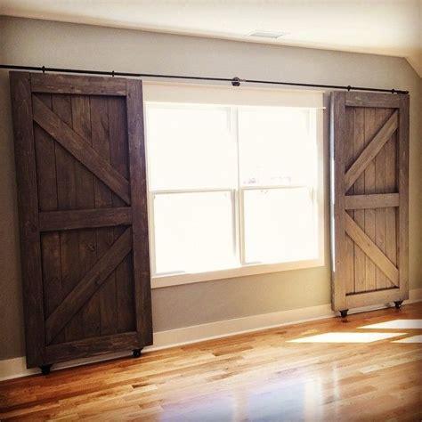 Barn Door Window by Best 25 Sliding Door Treatment Ideas On