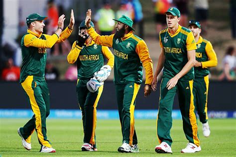icc cricket world cup   south africa hold  edge  india